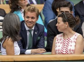 """Rosbergs par pievienošanos """"Ferrari"""" komandai: """"Tas nenotiks"""""""