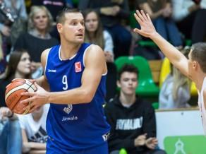 """Jeromanovs bombardē no tālienes, """"Jūrmala"""" izlaiž +17, tomēr uzvar Igaunijā"""