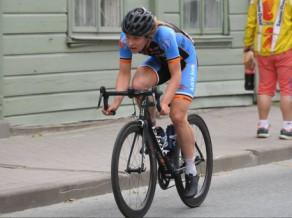 """Pluto pievienojas Nīderlandes šosejas riteņbraukšanas komandai """"Monkey Town"""""""