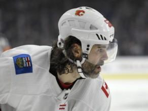 """45 gadus vecais Jāgrs debitē """"Flames"""", """"Penguins"""" uzvar Vašingtonā"""