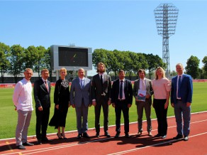 Svinīgi atklāts atjaunotais Daugavas stadions