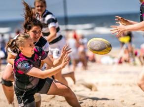 """""""Baltic Boys"""" un viešņas no Krievijas uzvar Latvijas atklātajā čempionātā pludmales regbijā"""