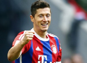"""Levandovskis ar diviem vārtiem sekmē kārtējo """"Bayern"""" uzvaru"""