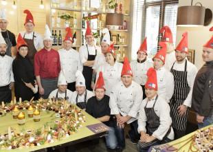 Video: Rīgas labākie pavāri izgatavo garšīgus adventes vainagus
