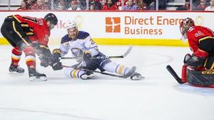 """Girgensonam otrais lielākais spēles laiks sezonā, """"Sabres"""" uzvar papildlaikā"""