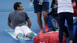 """Gulbis uzvar pirmajā setā, bet savainojuma dēļ spiests izstāties no """"Australian Open"""""""