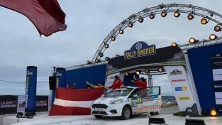 Sesks/Caune izcīna sesto vietu JWRC klasē, uzvaru Zviedrijas WRC svin Ots Tanaks