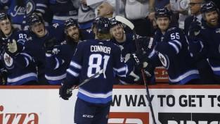 """""""Jets"""" uzbrucējs Konors atzīts par NHL nedēļas spožāko zvaigzni"""