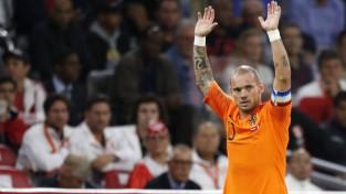Nīderlandes futbola zvaigzne Sneiders liek punktu karjerai