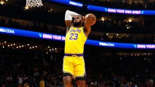 """""""Lakers"""" sērija turpinās, """"Warriors"""" iemet tikai 79 punktus"""