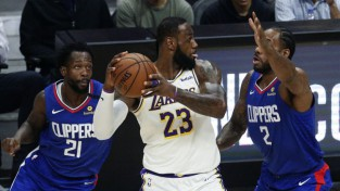 NBA oficiāli apstiprina, ka runā par sezonas atsākšanu jūlija beigās Disneja Pasaulē