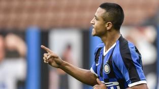 """Milānas """"Inter"""" iesit sešus un grauj, """"Milan"""" galotnē atspēlē divu vārtu deficītu"""