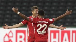 """Levandovskis precīzs divreiz, """"Bayern"""" divdesmito reizi triumfē Vācijas kausā"""