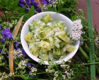 Lielie Kurzemes kartupeļu salāti