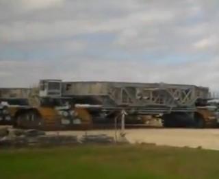 Video: Kā izskatās lielākais autotransporta līdzeklis pasaulē