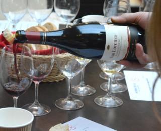Video: Itālijas UMANI RONCHI vīnu degustācija Rīgā