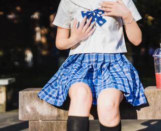 Kāpēc Latvijā bērniem nepatīk nēsāt uniformu - biežākās kļūdas, kuras pieļauj modes dizaineri un skolu vadība