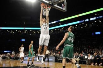 """""""Celtics"""" 44 minūšu eksperimentā sagādā """"Nets"""" pirmo zaudējumu"""