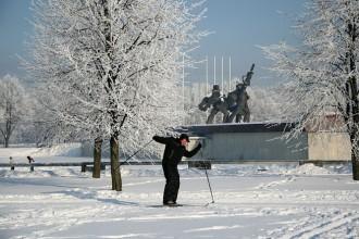 Rīgā darbu sāk slidotavas un slēpošanas trase