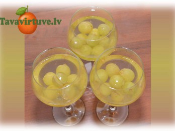 Fotorecepte: vīna želeja jeb deserts pieaugušajiem
