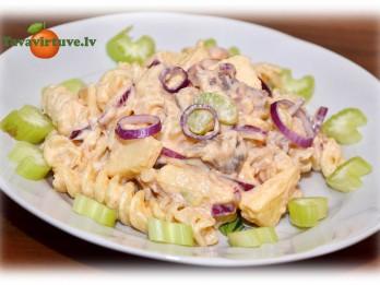 Fotorecepte: kūpinātas zivs salāti soli pa solim