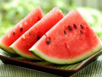Arbūza vērtīgās īpašības un kas jāņem vērā izvēloties arbūzu