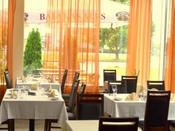 """SIA """"Mogotel"""" atklāj pirmo viesnīcu ārpus Rīgas- """"Rixwell Bauska Hotel"""""""
