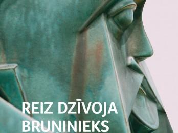 """Iznācis Roalda Dobrovenska romāna """"Reiz dzīvoja bruņinieks nabags…"""" tulkojums latviešu valodā"""