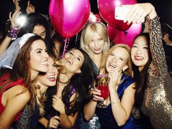 Piecas idejas neaizmirstamai vecmeitu ballītei