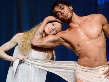 """""""Baleta zvaigznēs Jūrmalā"""" šogad būs unikāla iespēja redzēt duetus no izcilo horeogrāfu Džona Kranko un Džona Noimaijera baletiem"""
