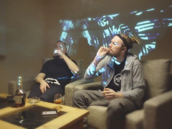 """Video: Publicēts singls """"Ej N***j"""". Pozitīvā domāšana alternatīvā manierē"""