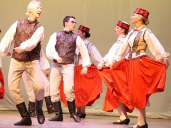 Deju kolektīva OGLĪTE jubilejas koncerts gada izskaņā