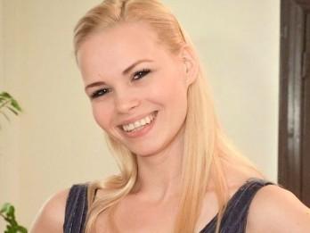 """Laura Teivāne debitēs """"SILVA. Čardaša karaliene"""" papildizrādē Liepājā"""