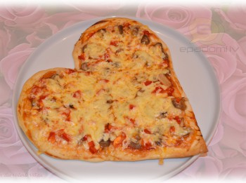 Fotorecepte: Tēva dienas vakariņu sirsnīgā pica