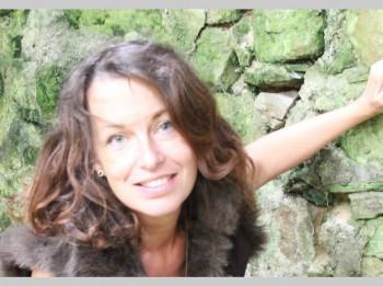 Pazīstamā latviešu dzejnieka Vitauta Ļūdēna meitai nepieciešama palīdzība