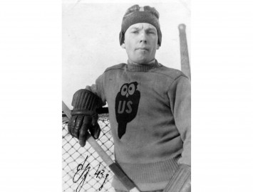 30. septembrī savu 97. dzimšanas dienu svin vecākais Latvijas hokeja veterāns Elmārs Bauris