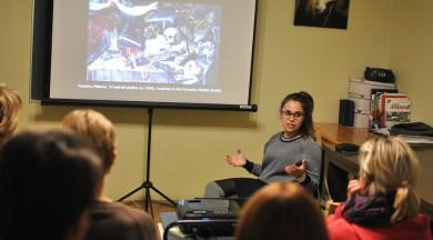 Mākslas studente no Spānijas izzina ne tikai Rotko daiļradi, bet sniedz vieslekciju Rīgas spāņu kultūras studentiem