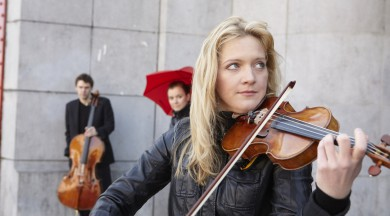 """Vineta Sareika un LSO """"Lielajā dzintarā"""" atskaņos valdzinošāko vācu vijolkoncertu"""