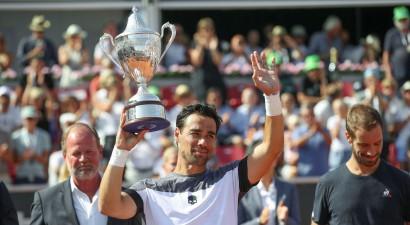 Foņīni, Džonsons un Čekinato otro reizi šosezon uzvar ATP turnīros