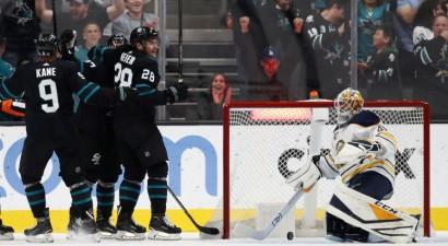 """""""Sabres"""" neveiksmīgs vairākums un mazākums sakāvē pret """"Sharks"""""""