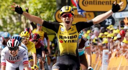 """Beļģu spīdeklis uzvar, sānvēja dēļ """"Tour de France"""" kopvērtējumā milzu izmaiņas"""