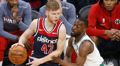 """Bertānam rekords atlēkušajās bumbās un deviņi punkti pret vareno """"Celtics"""""""