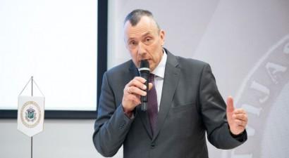 Sportisti ar negatīvām Covid-19 analīzēm Latvijā drīkstēs startēt bez pašizolācijas