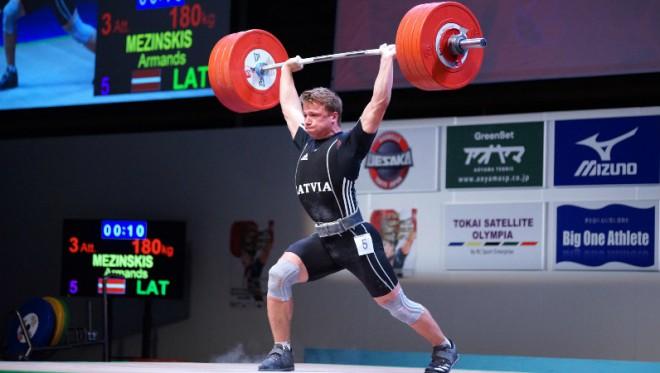 Griškovam septītā vieta Eiropas junioru čempionātā svarcelšanā, Mežinskis 13.