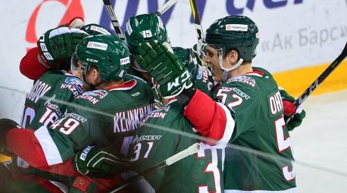 Ufa pēdējā trešdaļā viesos atspēlējas no 0:2, SKA un CSKA soli no Rietumu fināla