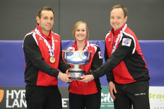 Šveice sagādā septīto pasaules čempiona titulu jaukto pāru kērlingā