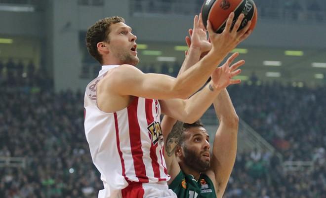 Strēlnieka septiņi punkti pēdējā ceturtdaļā kaldina uzvaru Grieķijas finālā