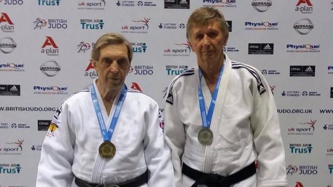 Džudistiem Azarovam un Smelovam zelts un sudrabs Eiropas veterānu čempionātā