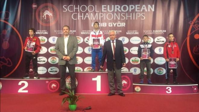 Latvijai bronzas medaļa Eiropas čempionātā cīņā skolēniem