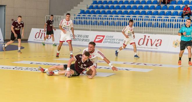 Latvijas U-20 handbola izlase piedzīvo pirmo zaudējumu EČ, piekāpjoties Melnkalnei